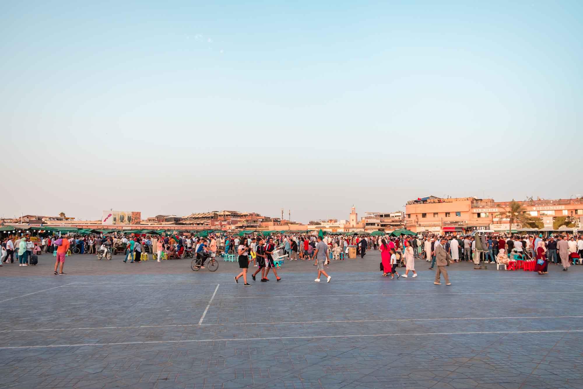 Pensieri-a-caldo-post-Marocco-Piazza-Jemaa-El-Fna