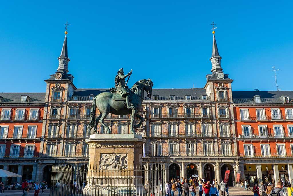 Madrid: dove dormire e mangiare nella capitale spagnola Plaza Mayor
