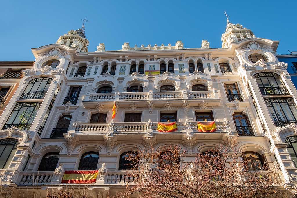 Madrid: dove dormire e mangiare nella capitale spagnola Palazzo sulla Gran Vía